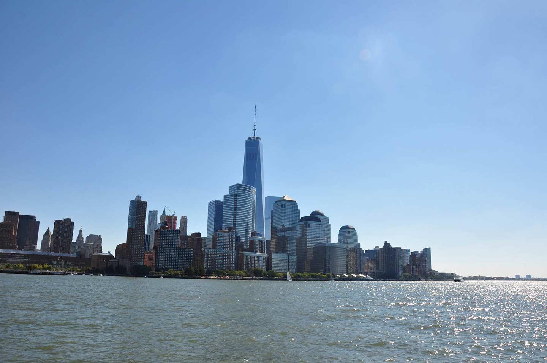 Lower Manhattan vom Wasser aus