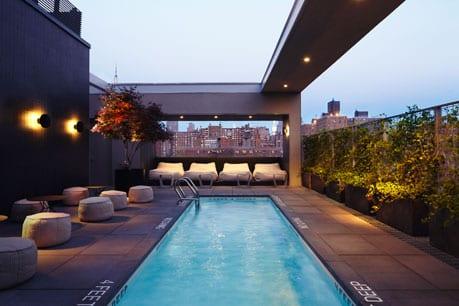 Die besten rooftop bars von new york echte insider tipps for Piscine new york