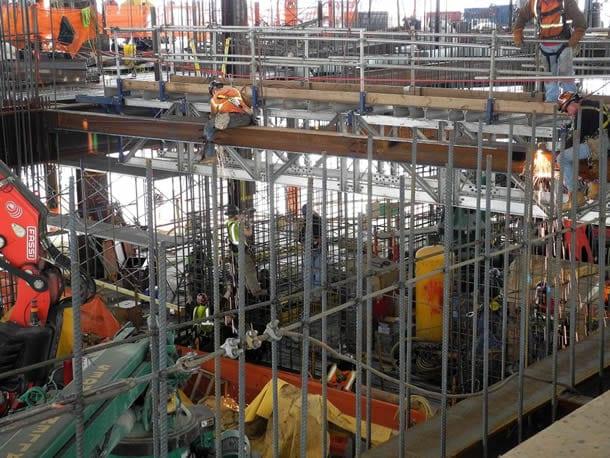 Stahlarbeiter im 90. Stockwerk des One World Trade Centers