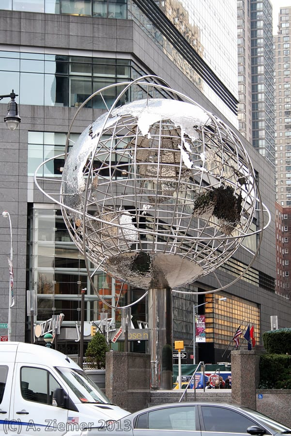 Andreas-Ziemer-New-York-Globe at Columbus Circle : South Central Park West