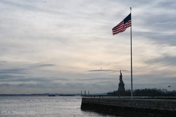 Andreas-Ziemer-New-York-Two National Symbols – Star spangled Banner and Statute of Liberty