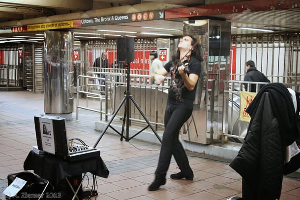 Andreas-Ziemer-New-York-Violin Gig at Subwaystation Times Square : 42nd Street