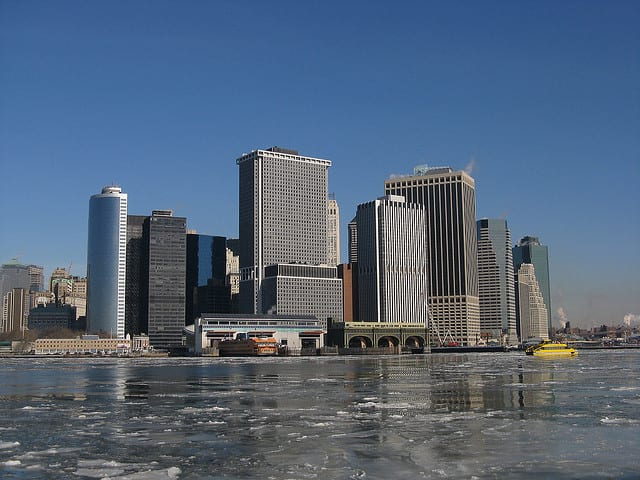 Eissschollen auf dem Hudson River in New York