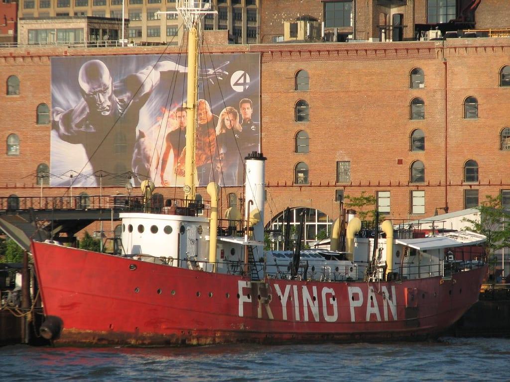 Pier 66 am Hudson River: The Frying Pan Restaurant