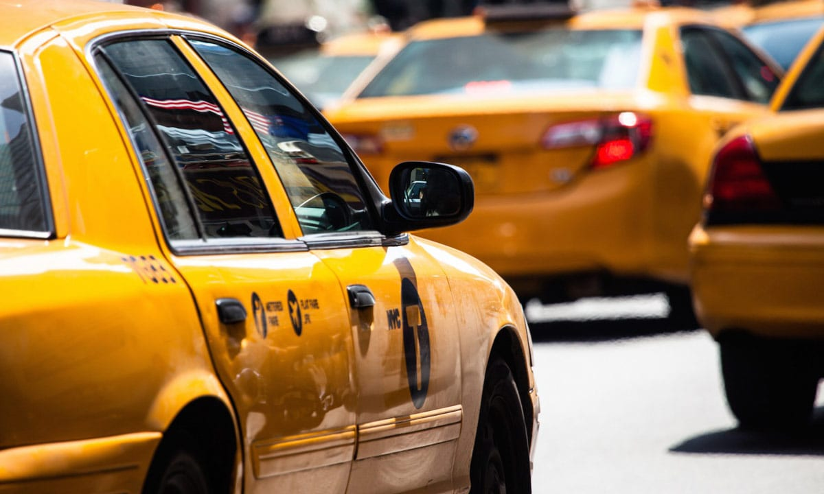 taxis yellow cabs in new york