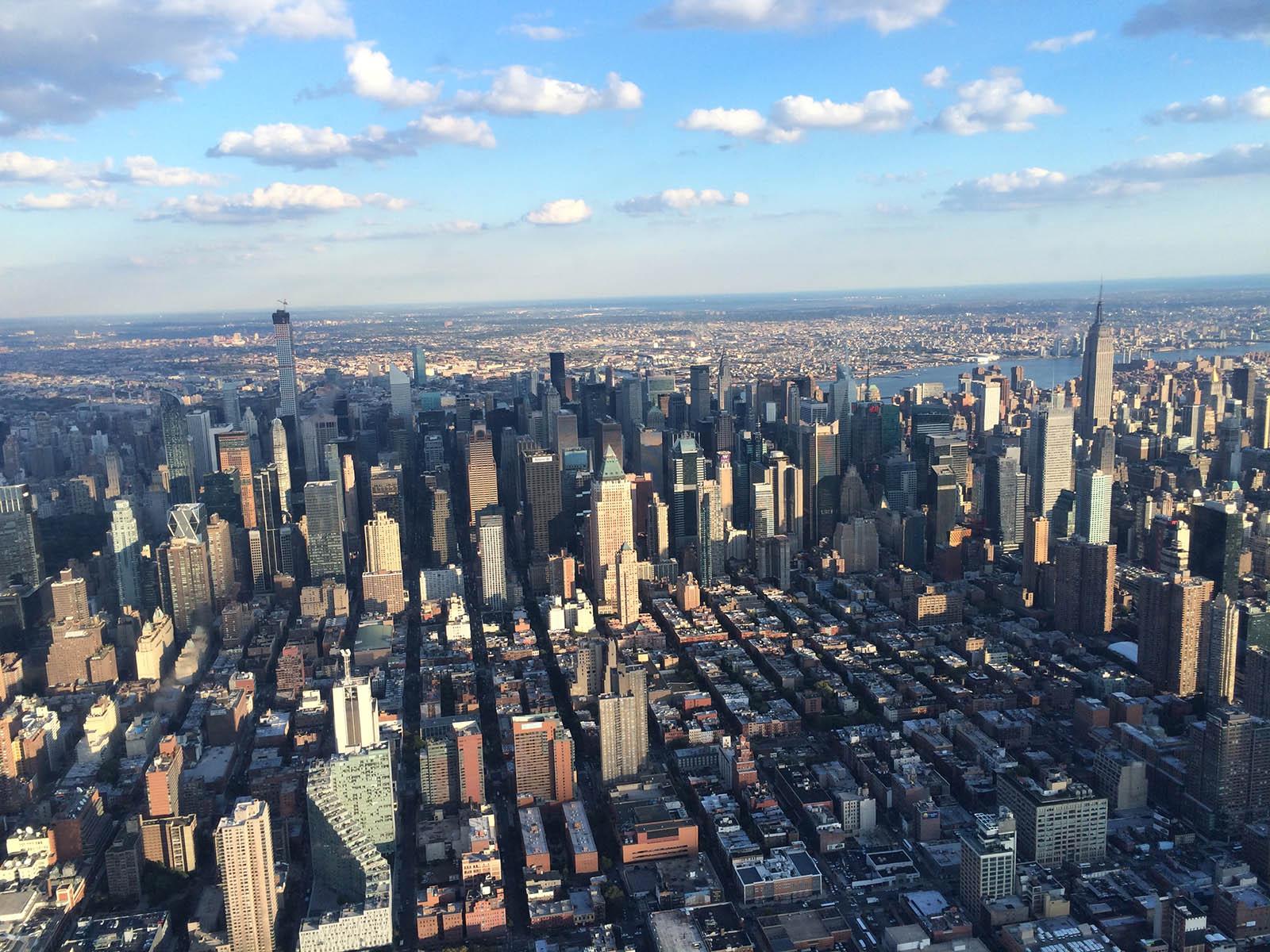 Blick auf Midtown New York vom Helikopter aus