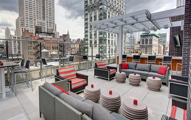 hyatt-herald-square-main-terrace_650