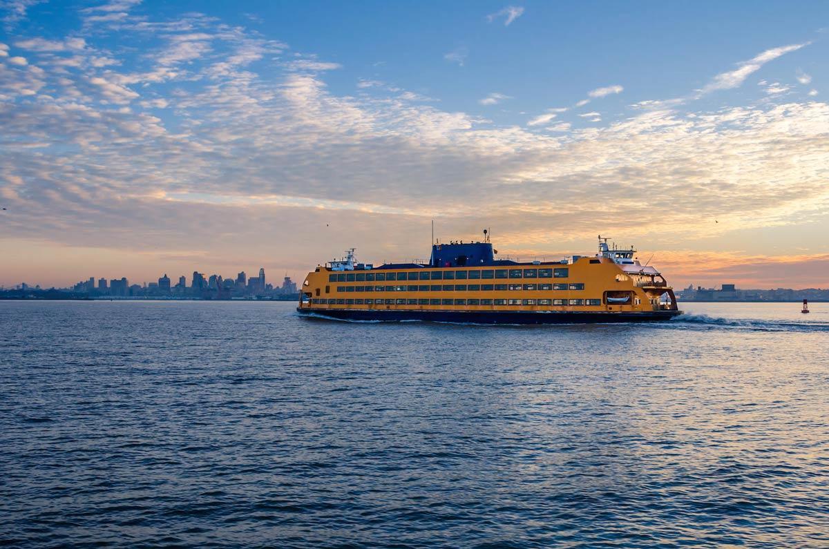 wege new york zu entdecken : mit der staten island ferry in new york