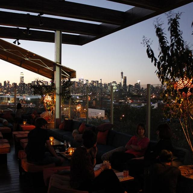 Rooftop-Bar Sheltering Sky in Brooklyn