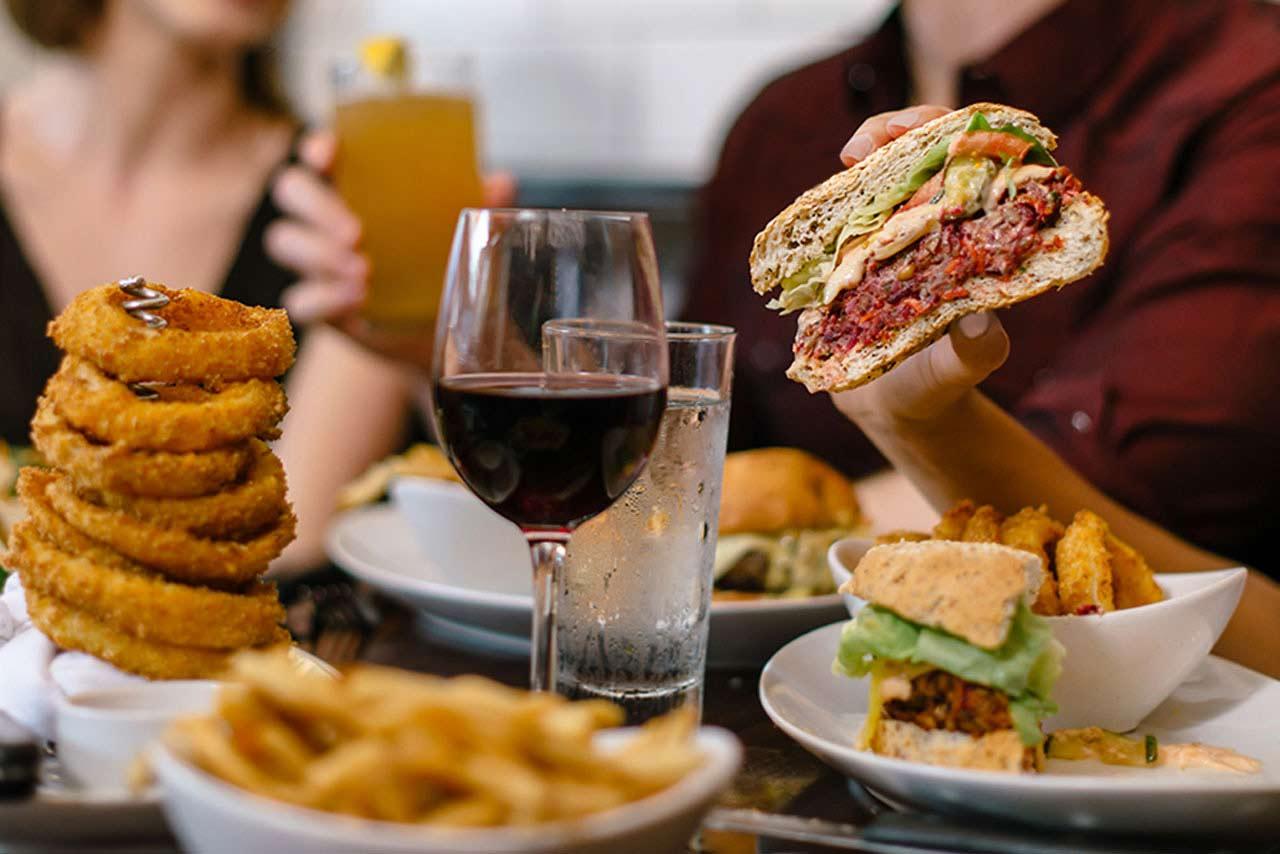 5-napkins-burger-04