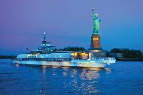bateaux new york sull'acqua