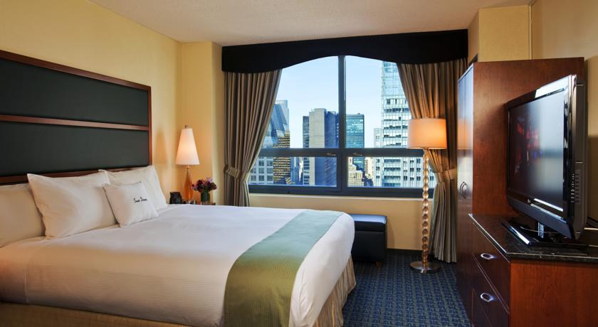 DoubleTree Suites by Hilton New York City – Times Square 05