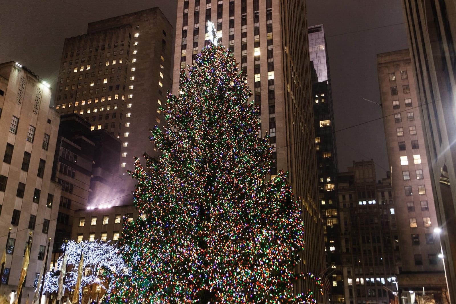 Die besten aktivit ten zu weihnachten in new york loving new york - Weihnachtsbaum rockefeller center ...