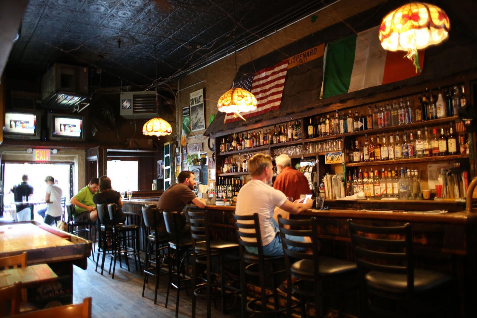 New Yorks älteste Bar und ein absoluter New York Insider Tipp: Nancy Whiskey Pub in Tribeca