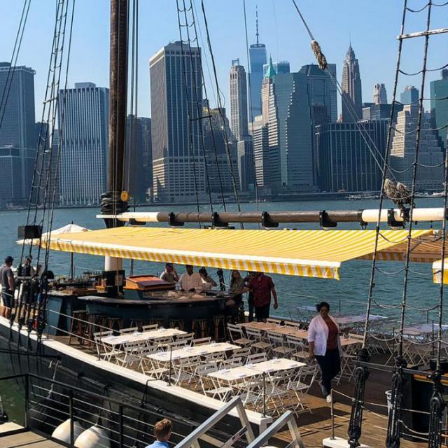 Die besten Bars & Restaurants am Wasser in New York