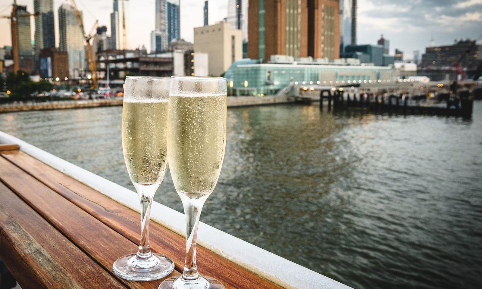 Hornblower New York Elite New Years Eve Dinner Cruise