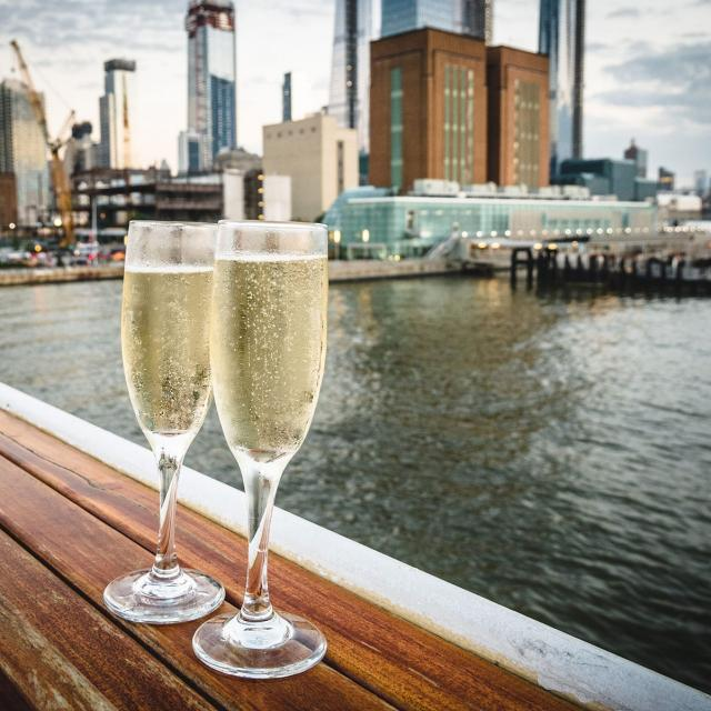 Hornblower New York – Elite New Years Eve Dinner Cruise